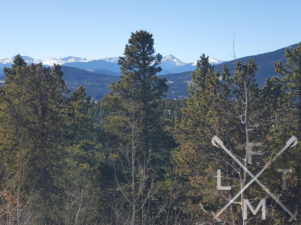 The snow capped peaks to the west of Panorama Point